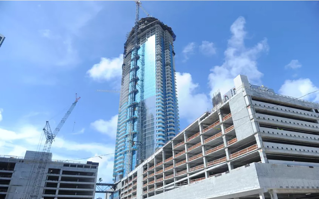 Downtown's Paramount Miami Worldcenter tops out at 700 feet